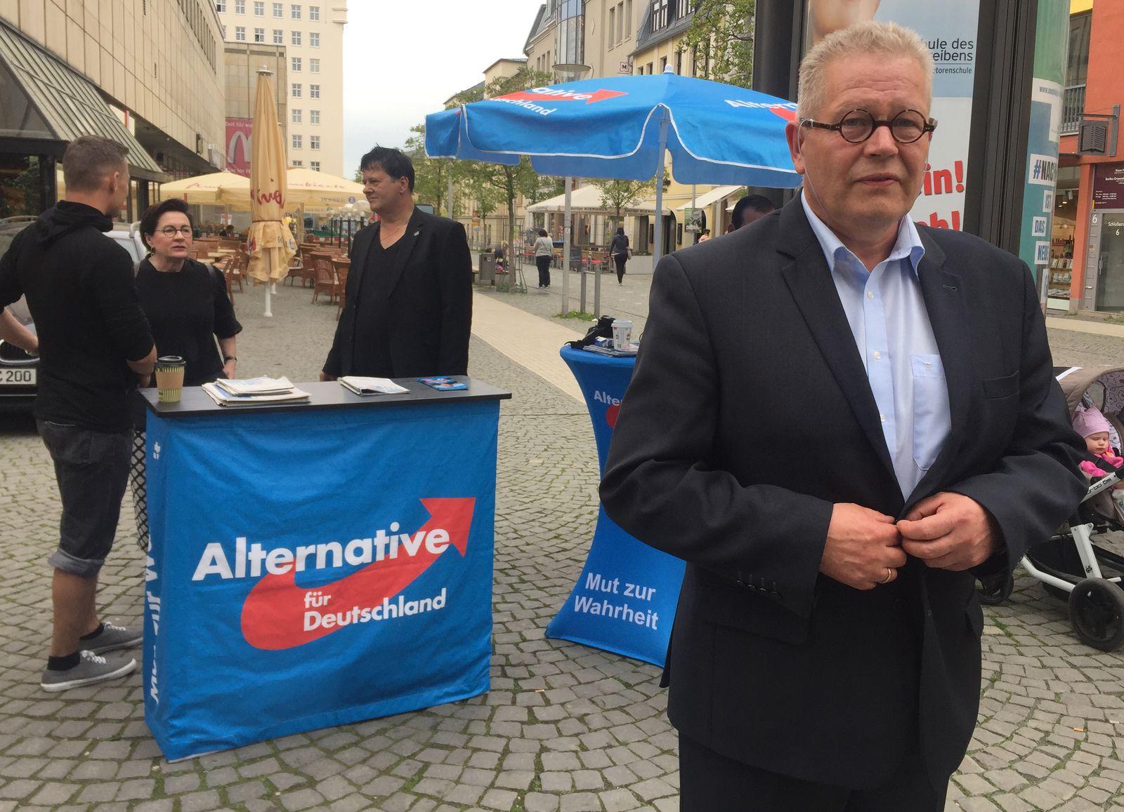 Gera/ AfD-Stand in der Innenstadt mit Dieter Laudenbach