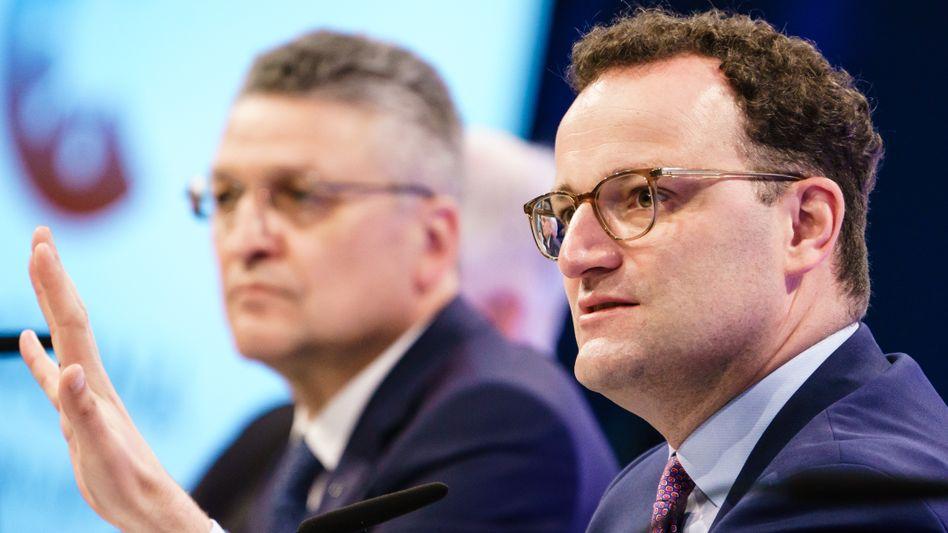 Gesundheitsminister Jens Spahn mit RKI-Präsident Lothar Wieler (Archivbild)