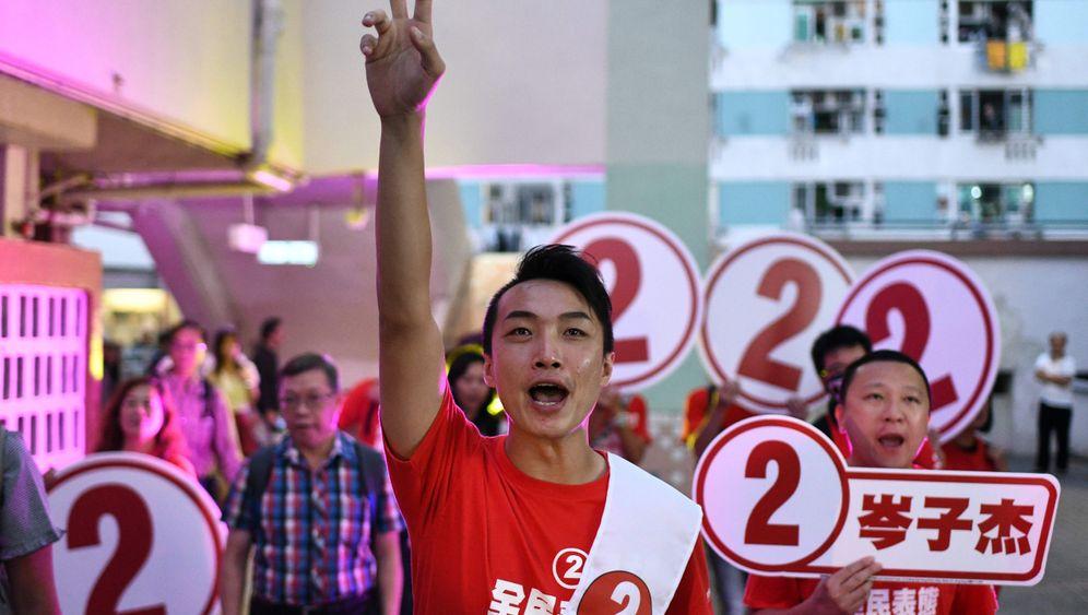 Bezirkswahlen in Hongkong: Schlangen vor den Wahllokalen