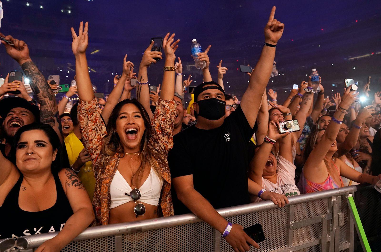 Deadmau5 in Concert - Inglewood