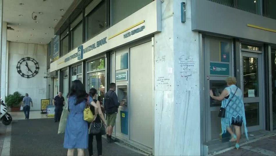 Bank in Griechenland: Volumen der Notkredite für Griechenlands Banken erreicht etwa 90 Milliarden Euro