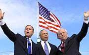 US-Präsident Bush, Minister Powell und Cheney: Gespielte Einigkeit