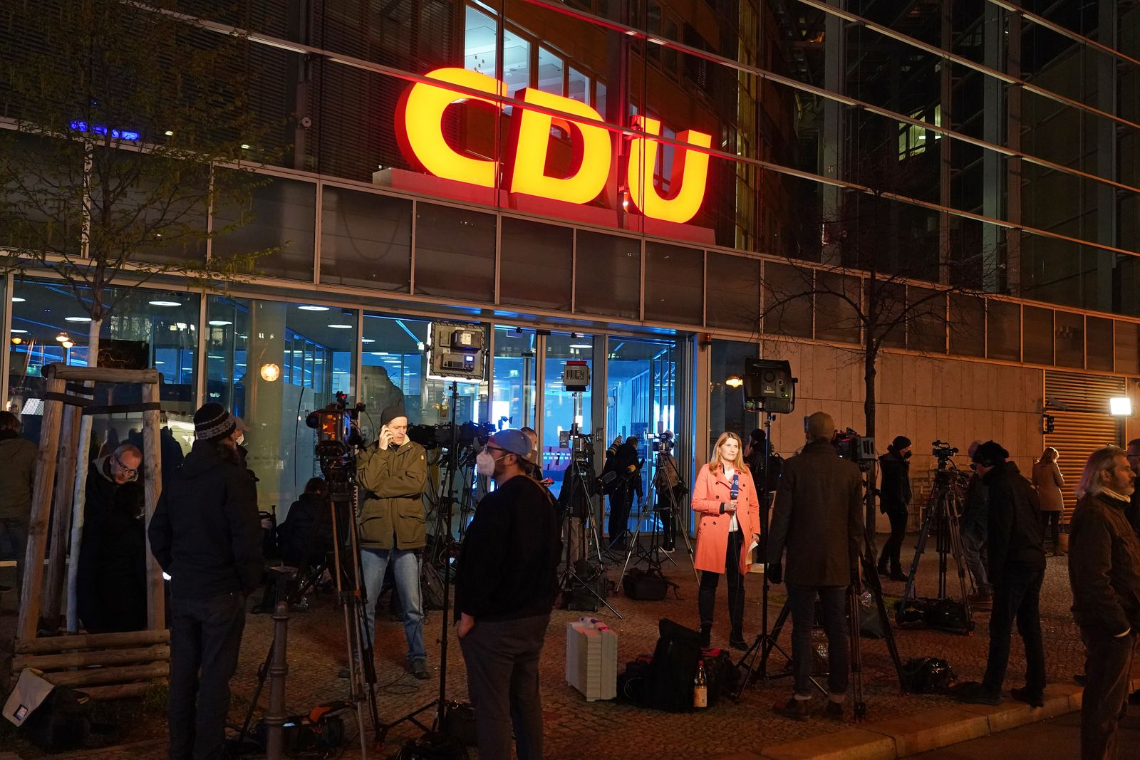 Chancellor Question Swirls As CDU And CSU Convene Separately