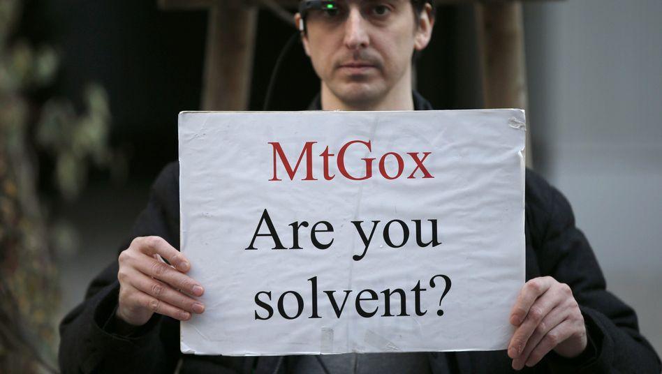 Protest vor Mt.-Gox-Büro in Japan: Sorge um die Kundenguthaben nicht ausgeräumt