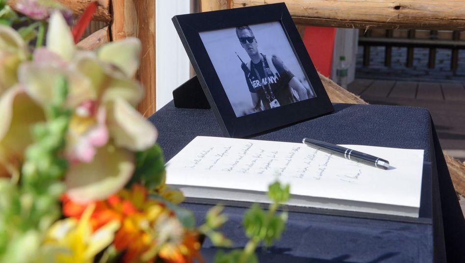 Kondolenzbuch für Stefan Henze im Deutschen Haus in Rio