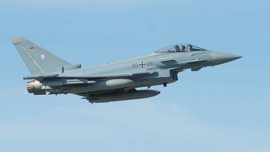 """Eurofighter""-Kampfjet der Bundeswehr: Kritik am ""Problembär der Luftwaffe"""