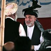 Präsident Hamid Karzai (beim Stammestreffen): Raketen schlugen nicht in Gebäude, sondern auf Feld ein