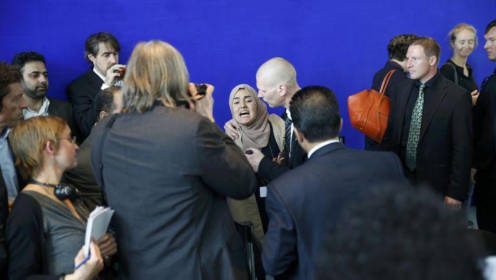 Ägyptens Präsident in Berlin: Tumulte bei Pressekonferenz von Merkel und Sisi