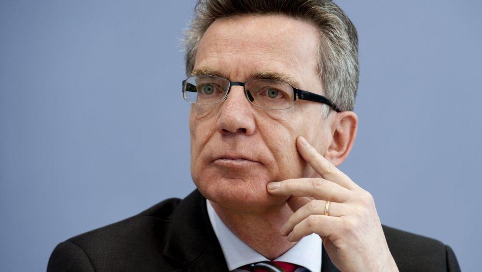 Bundesinnenminister Thomas de Maizière: Rechtfertigung für umstrittenes Abkommen