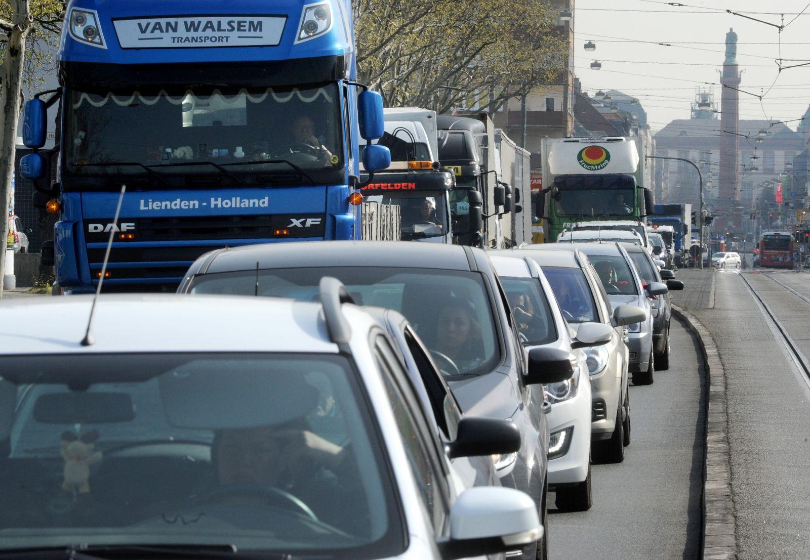 Darmstadt/ Verkehr