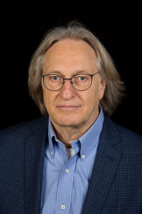 """Hans-Jürgen Wirth, 69 ist Psychoanalytiker und unter anderem Mitherausgeber des Buches""""Grenzerfahrungen. Migration, Flucht, Vertreibung und die deutschen Verhältnisse""""."""