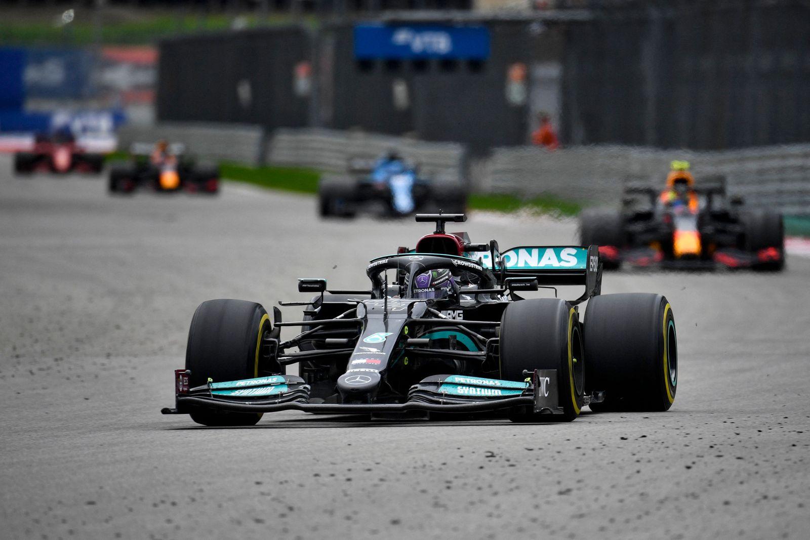 AUTO-PRIX-F1-RUS-RACE