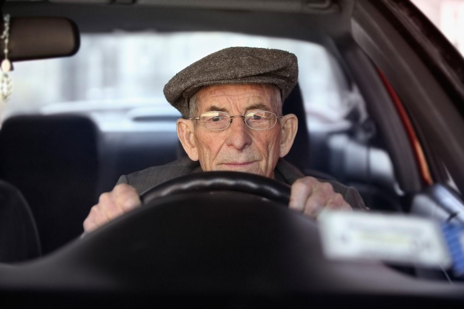 NICHT MEHR VERWENDEN! - Senioren / Auto