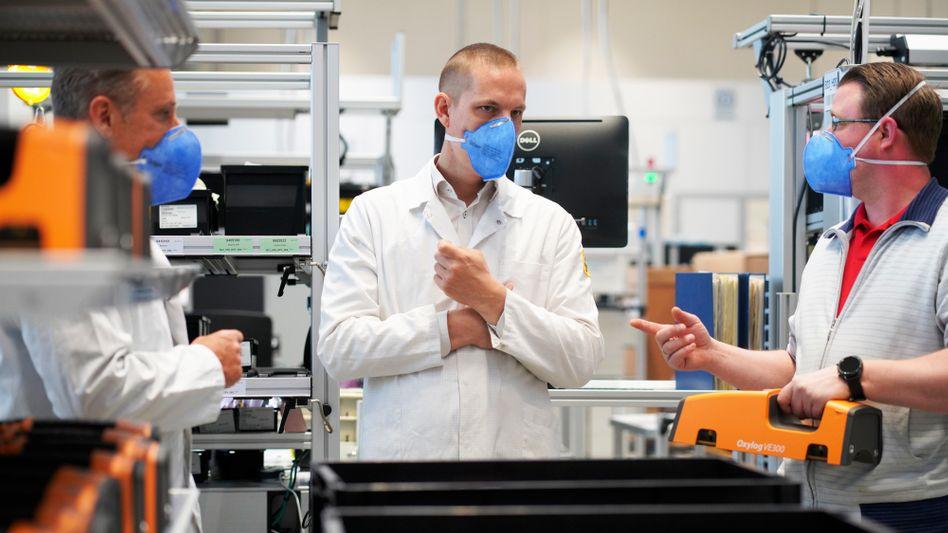"Teamleiter in der Intensivbeatmung Boris de Groot: ""Wir merken hier in Lübeck, wo das Virus gerade wütet"""