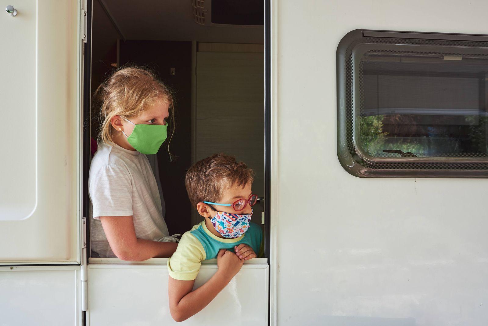 Brothers on vacation in a caravan. CÛrdoba, AL, Spain PUBLICATIONxINxGERxSUIxAUTxONLY CR_FPOBYG200813-468882-01 ,model r