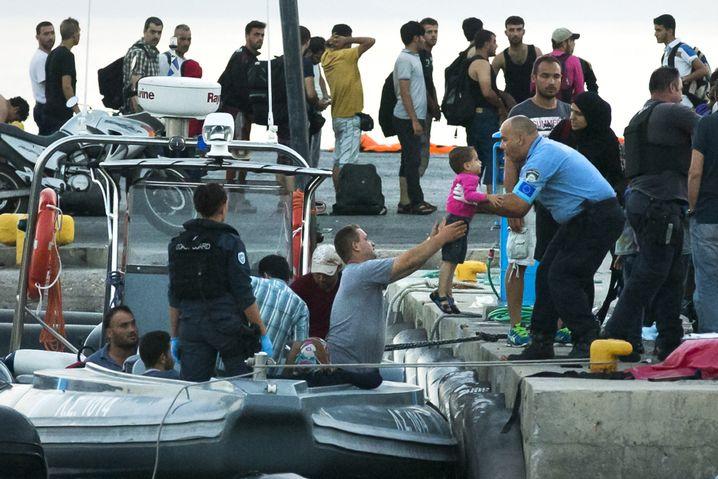 Küstenwache im Hafen von Kos: Immer wieder werden Menschen gerettet