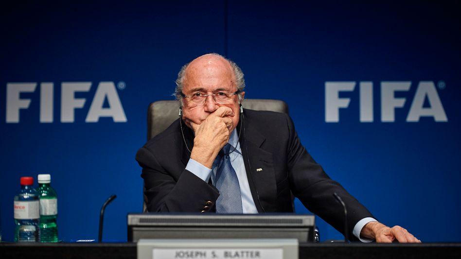 Fifa-Präsident Blatter: Wird seine Wiederwahl verschoben?