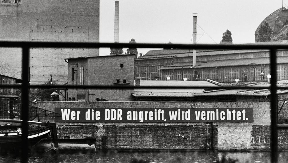 Nach dem Mauerbau: Bilder aus beiden Berlins