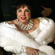 """Elizabeth Taylor: """"Von Familie, Freunden und Juwelen umgeben"""""""