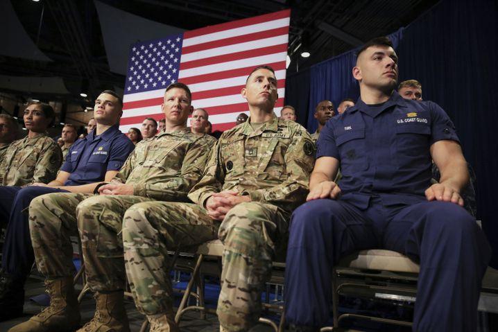 Soldaten im Stützpunkt Fort Myer in Virginia
