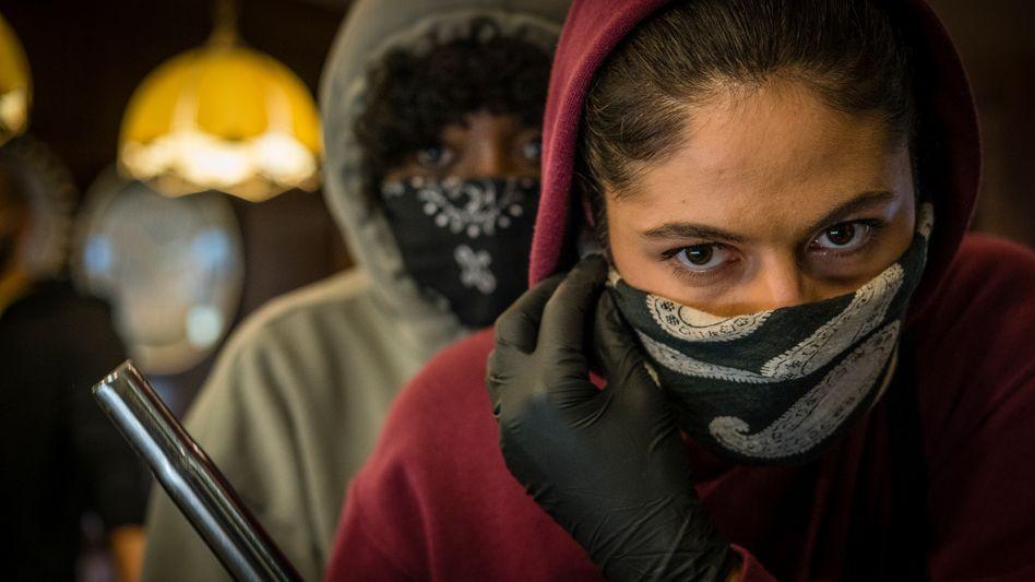 Szene aus »Para«: Drogen nehmen, Nachbarschaft aufmischen
