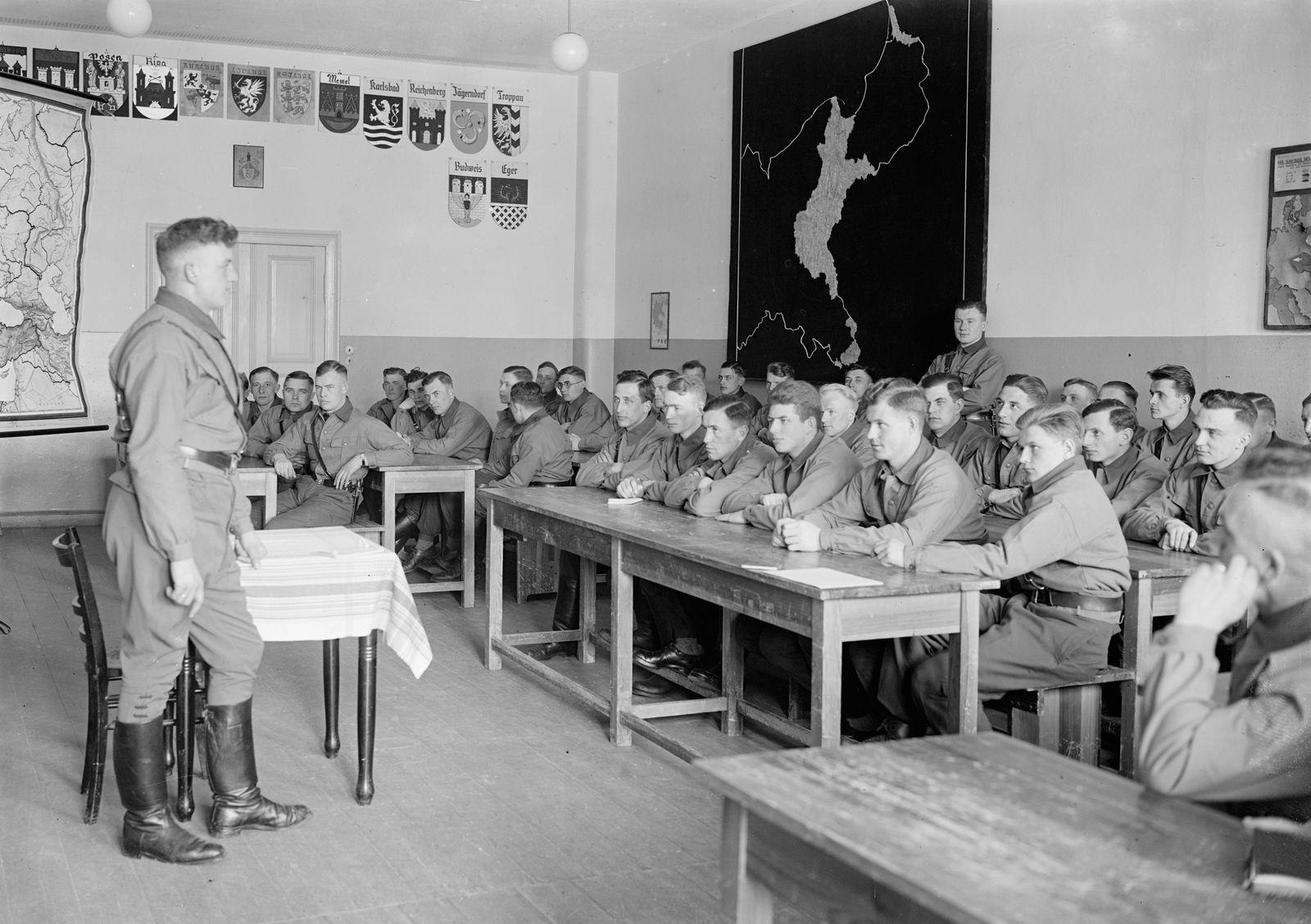 Reichsjugendführerschule der Hitlerjugend in Potsdam