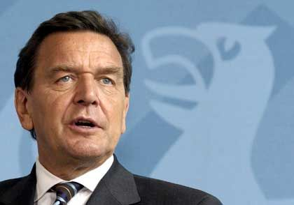 Gerhard Schröder: Umstrittene Vertrauensfrage