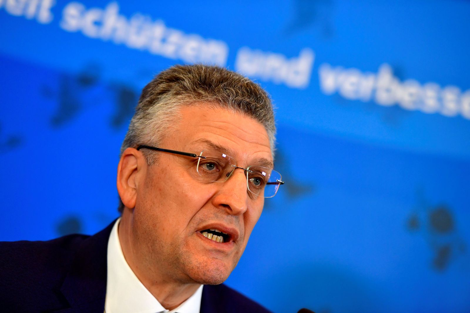 RKI holds briefing after Germany's coronavirus reproduction rate jumped