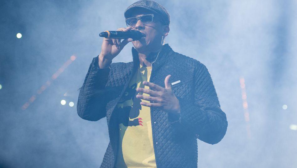 Xavier Naidoo (2012 bei einem Benefizkonzert): Popsänger wird Polit-Aktivist