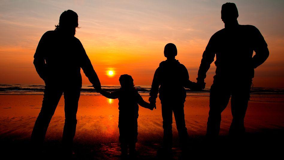 Familie: Weltweit werden etwas mehr Jungen geboren als Mädchen