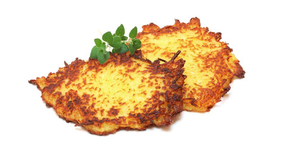 womit isst man kartoffelpuffer