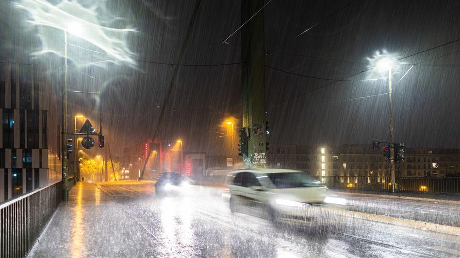 Regenguss in Düsseldorf: Wetterwechsel im ICE-Tempo