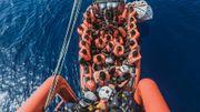 Hunderte Migranten am Wochenende aus Seenot gerettet