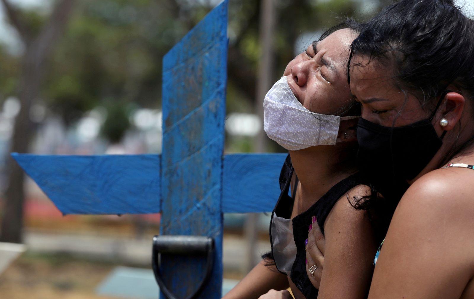 FILE PHOTO: Outbreak of the coronavirus disease (COVID-19), in Manaus