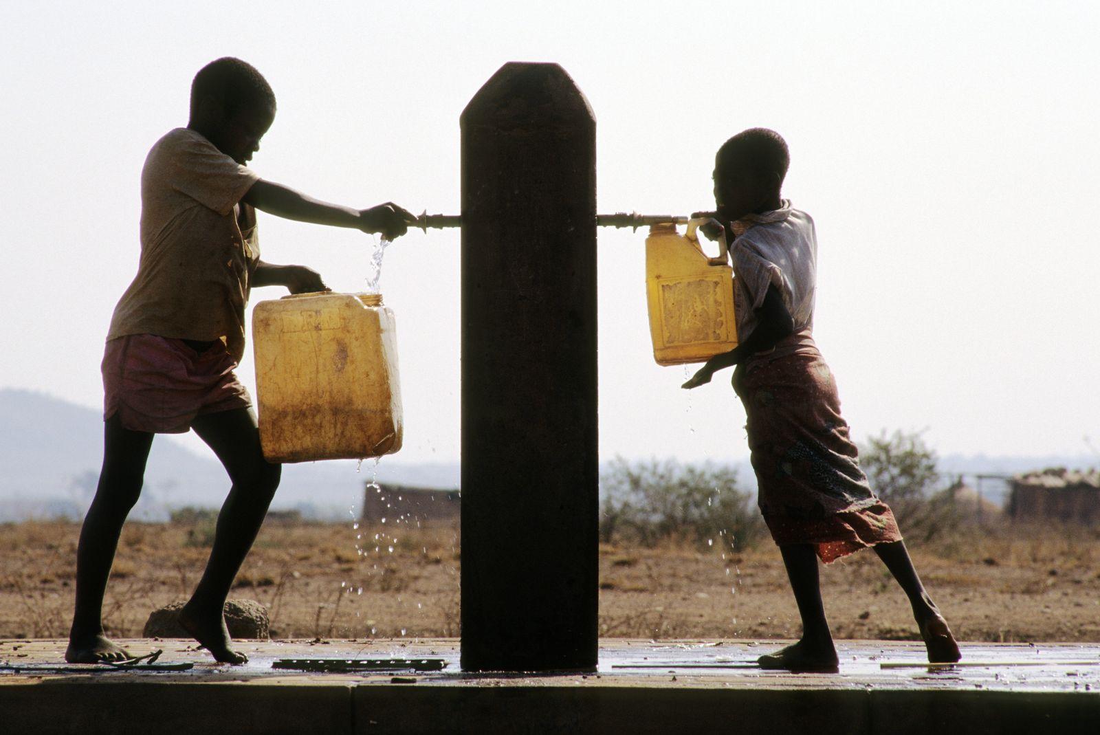 NICHT MEHR VERWENDEN! - Afrika / Brunnen