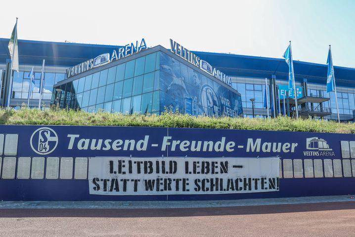 """""""Leitbild leben - statt Werte schlachten"""": Protest gegen Clemens Tönnies"""