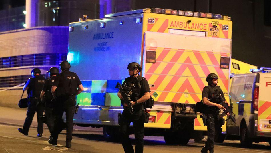 Manchester: Mehrere Tote nach Explosion bei Konzert - Polizei geht von Terroranschlag aus