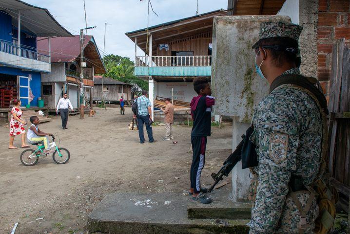 Die Menschen in Bazán sind an militärische Präsenz gewöhnt