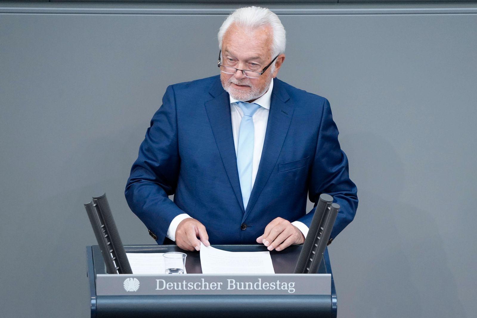 239. Bundestagssitzung und Debatte Aktuell, 07.09.2021, Berlin, Wolfgang Kubicki im Portrait bei seiner Rede Sondervermo