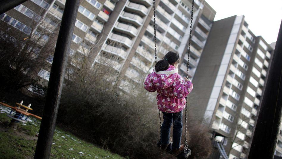 Risiko Armut: Kinder der Unterschicht sind mit ihrem Leben unzufriedener