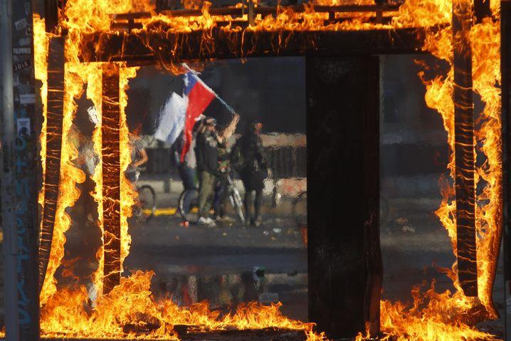 """Demonstranten in Santiago: """"Piñera hat noch immer nicht verstanden, um was es geht"""""""