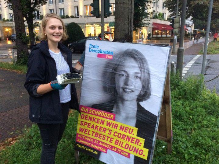 Juli-Chefin Ria Schröder im Wahlkampf