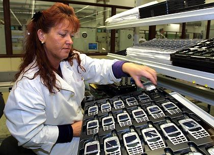 Handyproduktion: Googles Android könnte den Herstellern helfen, bei Entwicklung und Produktion zu sparen