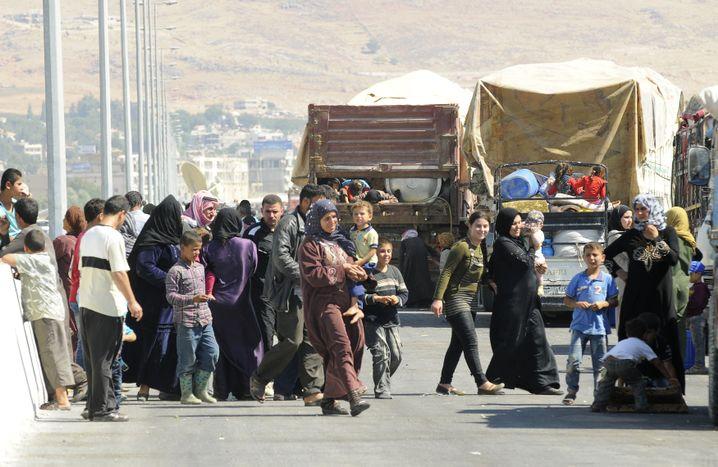 Flüchtlinge an der Grenze zum Libanon: Die Schleuser machen ein gutes Geschäft