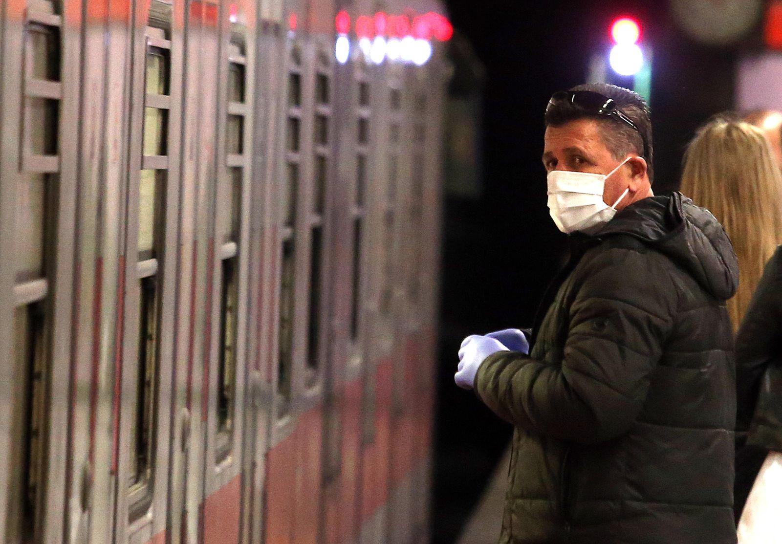 Novel coronavirus in Italy, over 160 cases, Milan - 24 Feb 2020