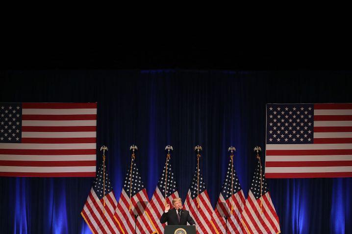 Trump bei seiner Rede im Ronald-Reagan-Gebäude: America first