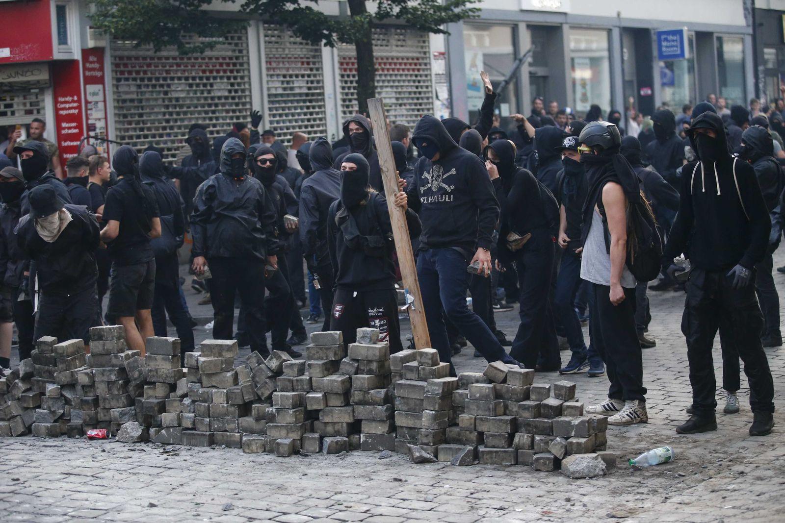 Schwarzer Block/ G20/ Hamburg/ 2017/ linke Gewalt