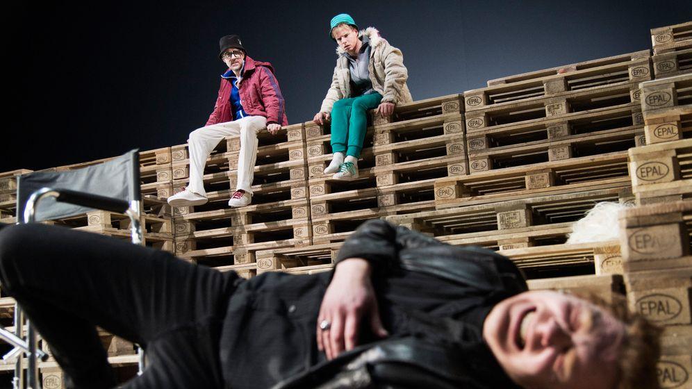 """""""Warten auf Godot"""" am Thalia-Theater: Und das Warten geht weiter"""