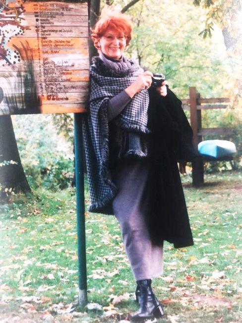 Roswitha Weiß, geboren 1939 in Berlin, arbeitete als Fremdsprachensekretärin.