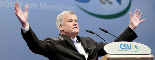 Neuer CSU-Chef Seehofer: Erster Schritt zur Machtübernahme in Bayern